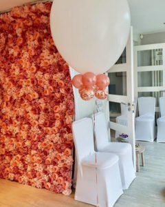 giant balloon and chair covers
