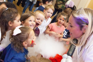 Kids party dry ice